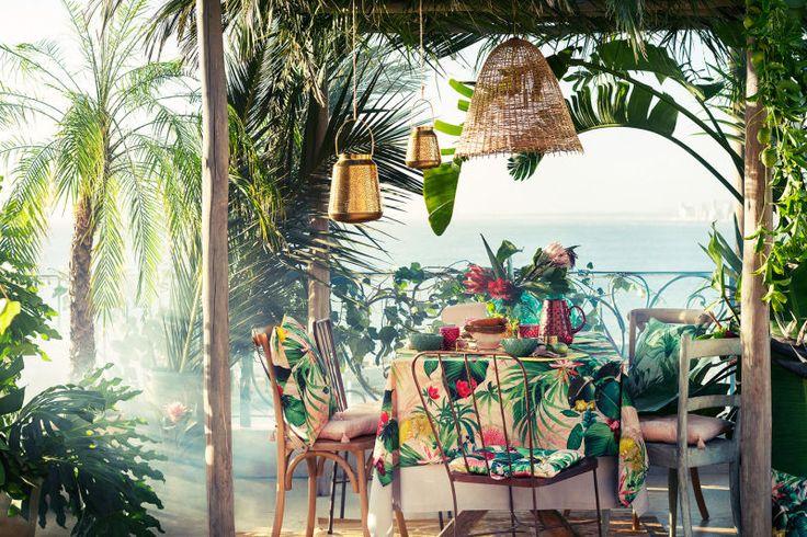 Verander je balkon in een bloeiende oase met tafelkleden, stoelkussens, plaids, dienbladen, manden, glazen en kaarsenhouders.