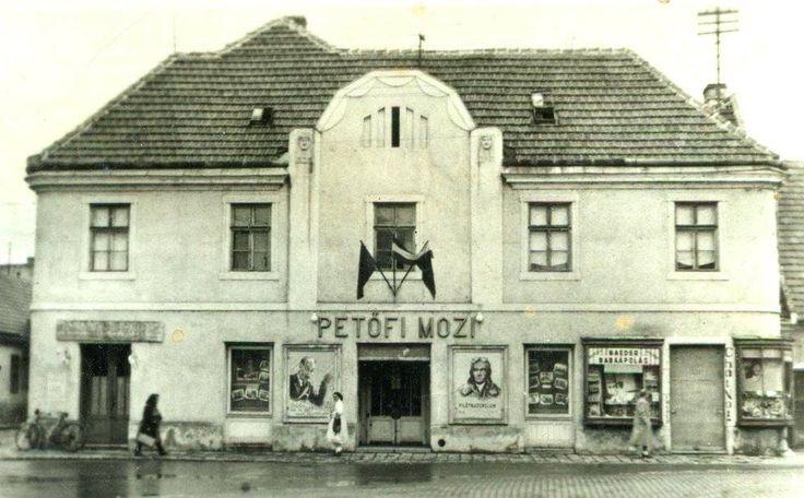 1948. Rákóczi tér, Petőfi mozi