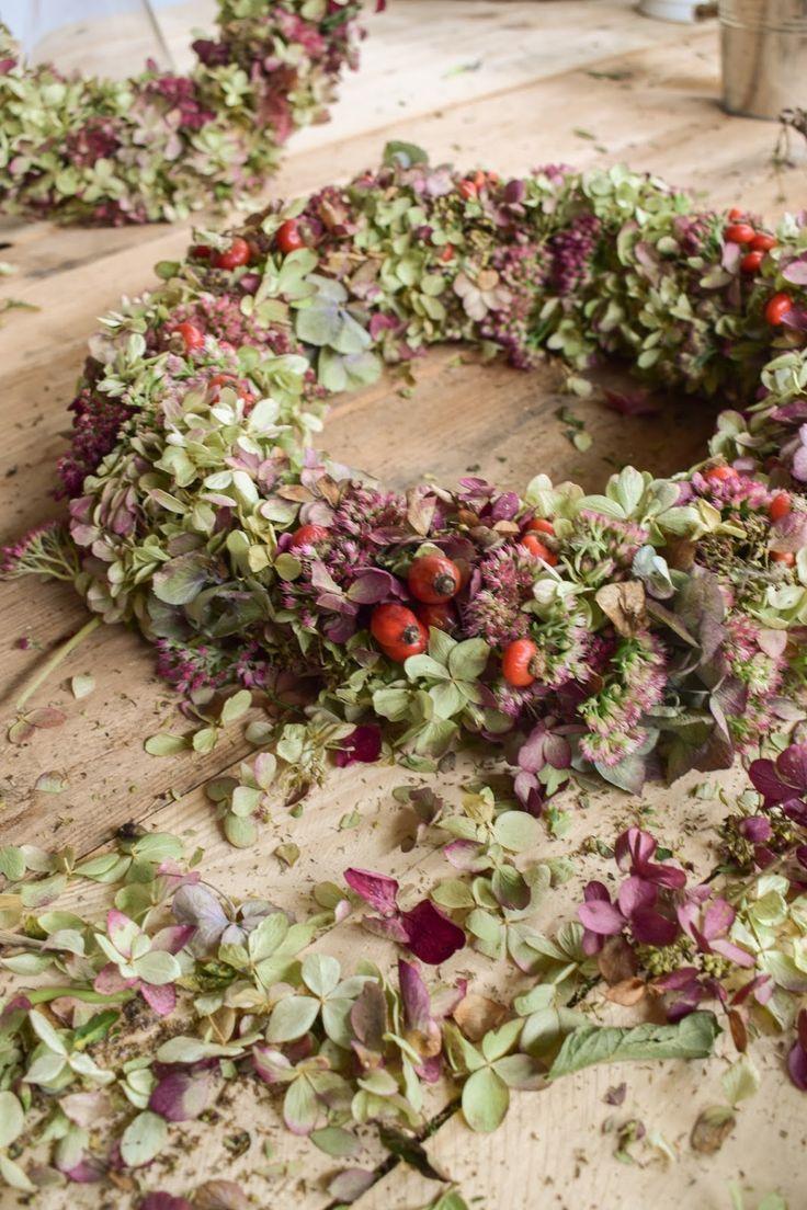Guirlande d'hortensia Instructions pour l'auto-association avec Fetter Henne Rosehip Rosehip …   – Deko mit Naturmaterialien