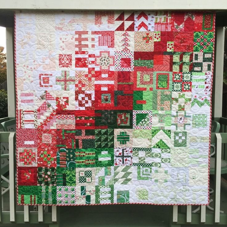 Live a Colorful Life created this beautiful Christmas in the City quilt using Tula Pinks 100 City blocks. It's on my to do list.