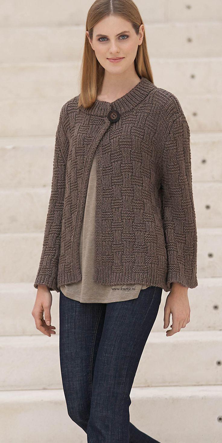 Breien. Deze jas maakt u met de Katia Concept Catena Merino. De Catena Merino wol is zacht en warm en is verkrijgbaar in 7 kleuren.  Model en patroon staan beschreven in het patronenboek Katia Concept No. 1 (Model 3, blz 4) Katia CONCEPT 1 pag 4kopie.jpg