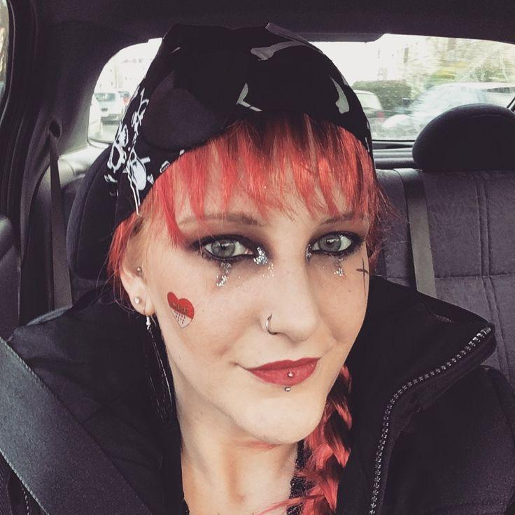 ber ideen zu piraten make up auf pinterest kost me halloween make up und piraten haar. Black Bedroom Furniture Sets. Home Design Ideas