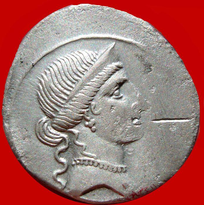 Romeinse Republiek - Octavianus. 35-34 V.CHR.zilveren penning (321 g. 20 mm) Rome. 32-31 v. Chr. Venus / Octavianus in militaire kledij.  Romeinse Republiek - Octavianus. 35-34 V.CHR. zilveren penning (321 g. 20 mm) Rome. 32-31 v. Chr. Venus / Octavianus in militaire kledij.Diademed hoofd van Venus juiste.Octavianus in militaire kledij bevordering verlaten.; zijn rechterhand uitgebreid en transversale speer in links houden... RIC IK 251;Uitstekende conditie. Licht afgezwakt. Volledige…