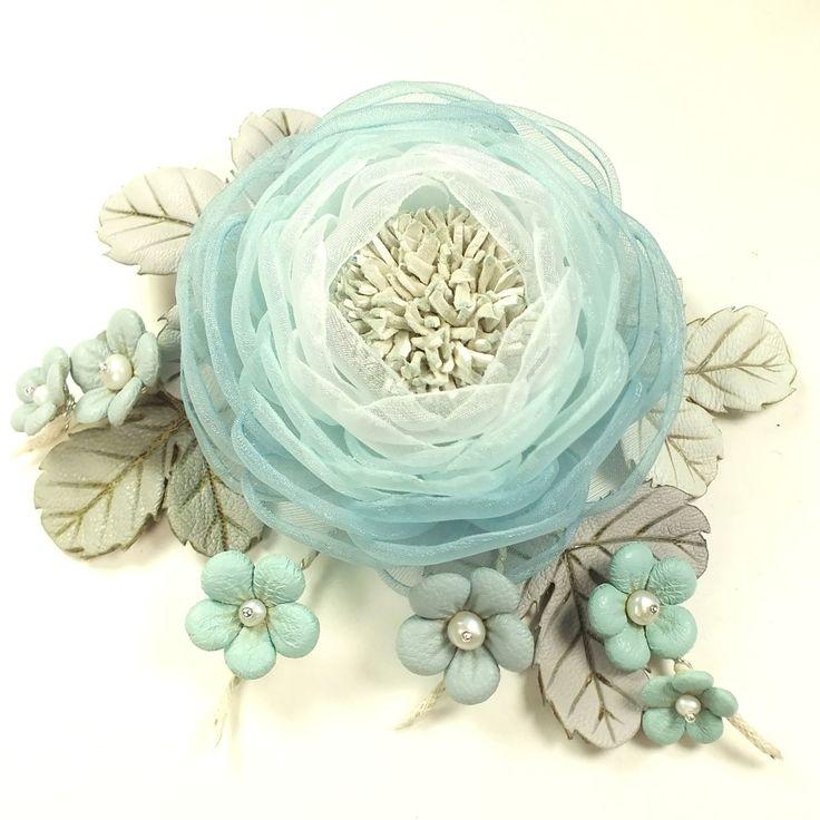 Купить Долина Облачных Цветов. Брошь с цветами из ткани и натуральной кожи - цветок, цветы