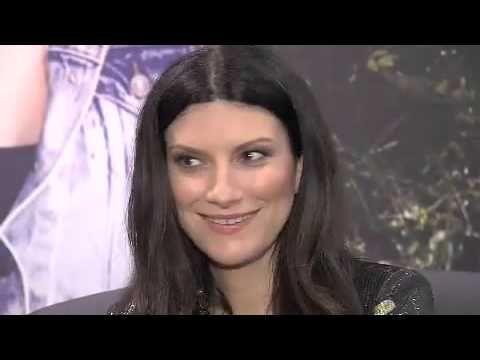 MC Melody fala com Laura Pausini e Anitta- Pânico na band (22-11-2015) - http://webjornal.com/8915/mc-melody-fala-com-laura-pausini-e-anitta-panico-na-band-22-11-2015/