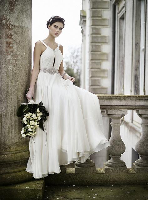 Fliessendes Brautkleid