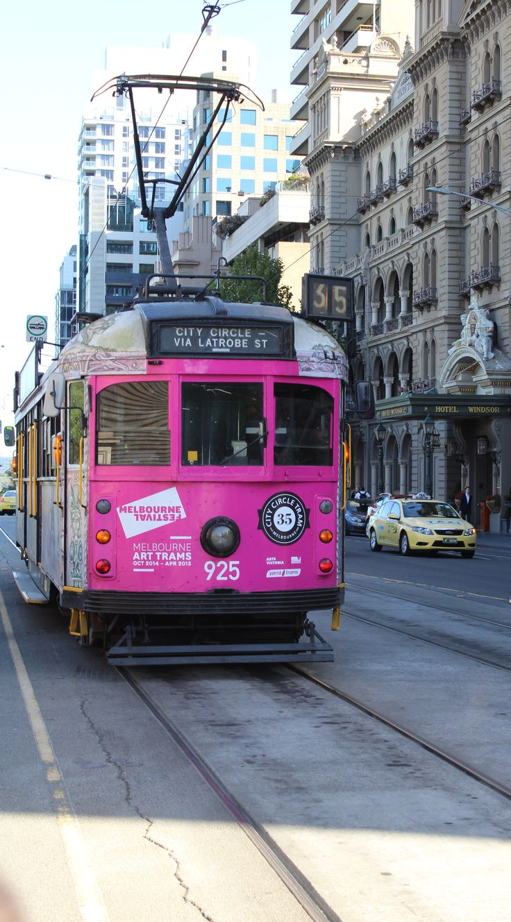 L1M1AP3 - Rule of Thirds: Pretty in pink... Melbourne, Victoria. Shot off to the left, F/6.3, Exp1/100, ISO 100(Auto), Focal Length 39mm, Handheld.