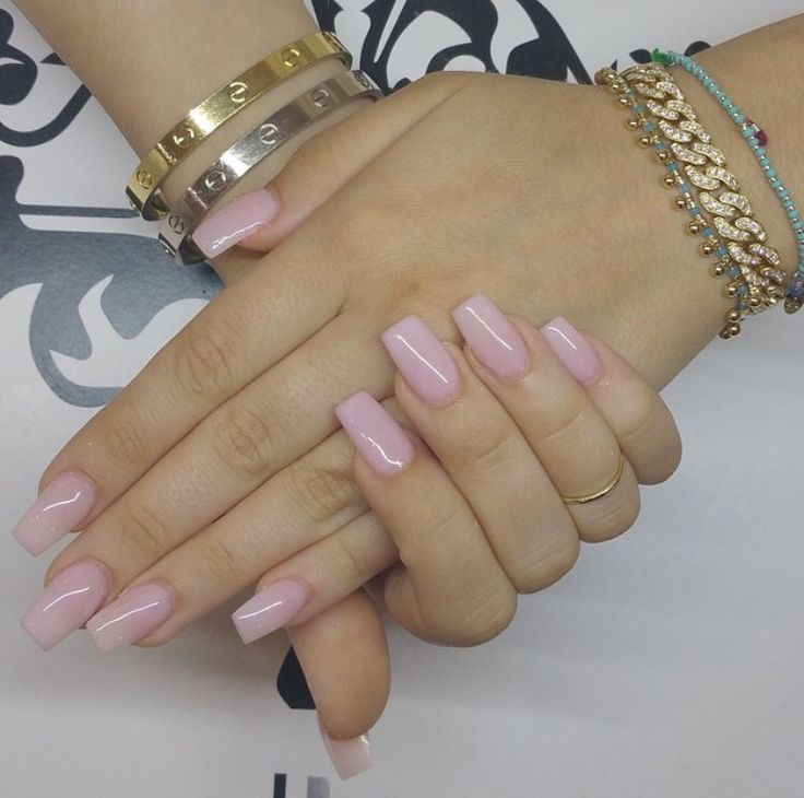 Short acrylic nails. Natural color nails