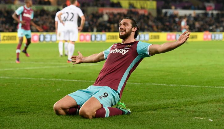 Andy Carroll celebrates making it 4-1