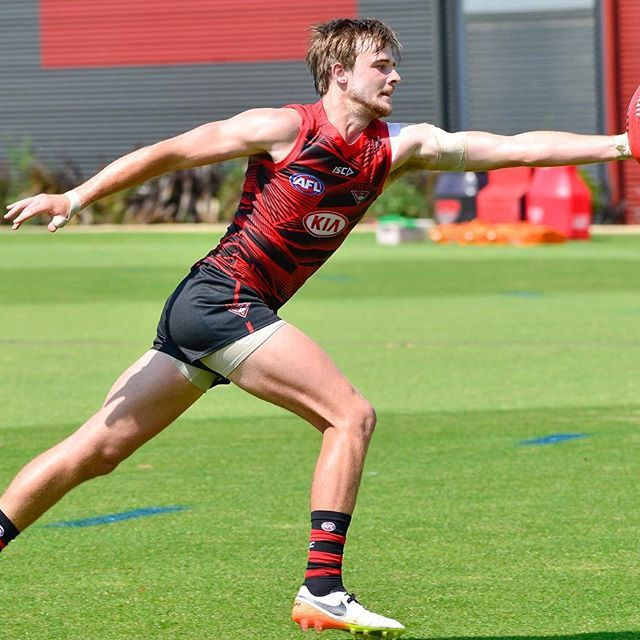 @marty_gleeson is at full stretch to pull in this one hander mark at training yesterday.⚫ @essendonfc #donthesash