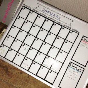Een planbord dat je elke maand opnieuw kunt invullen, Uitwisbaar maand, eeuwigdurende kalender Silhouette cameo project download