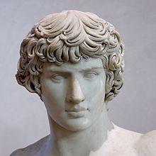 Antinoo giovane greco legato sentimentalmente all'imperatore