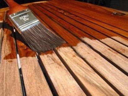 Trucos para barnizar madera