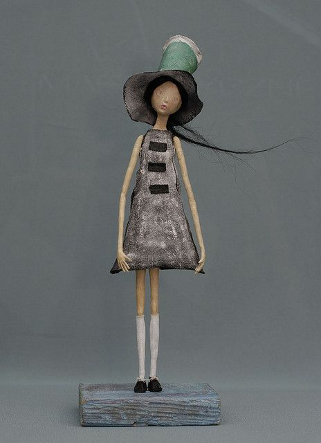 So sweet. Love the sense of movement. #artdoll #art  Source: http://www.flickr.com/photos/42595616@N03/3928207563/in/faves-58840633@N02/