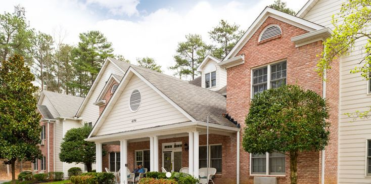 Country Gardens Assisted Living Is Located In Dunwoody Ga And Is Known As A Personal Care Home The Goal Country Gardening Dunwoody Senior Living Communities