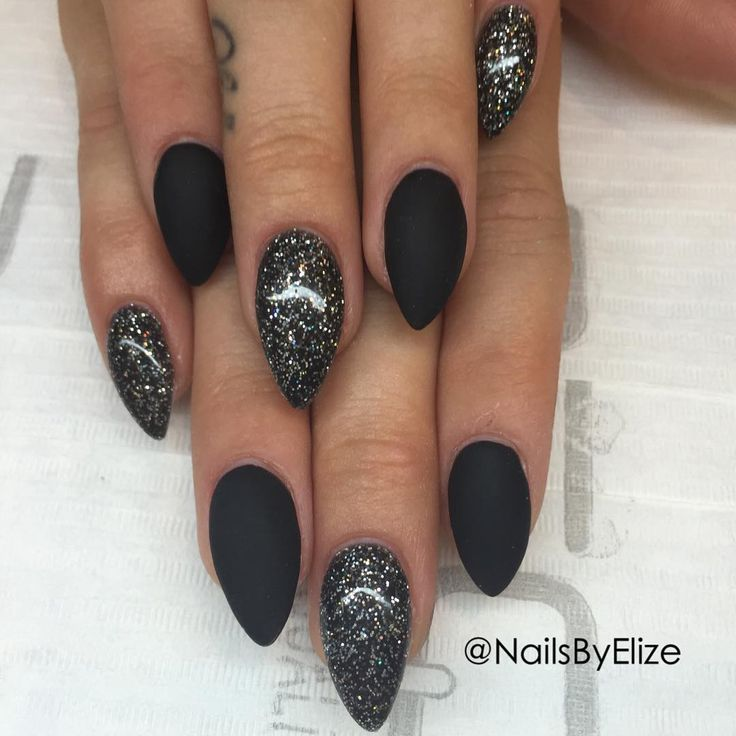 Best 25+ Black glitter nails ideas on Pinterest | Black ...