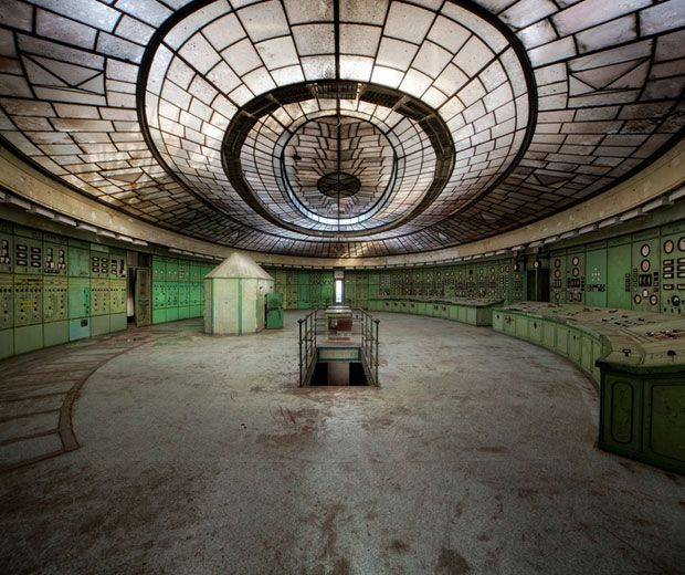 Urban Exploration 30 Hauntingly Beautiful Images Of Abandoned Power Plants Beautiful Europe