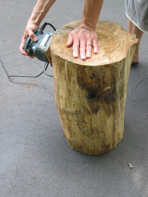 Tree Stump Table ~ DIY and gray wash or leave natural.