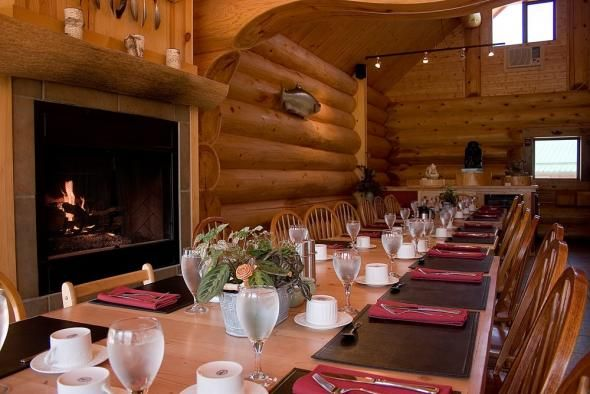 Vancouver Wedding Venues: Fraser River Lodge. Capacity up to 200