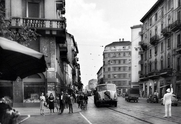 Corso San Gottardo angolo Via Tabacchi