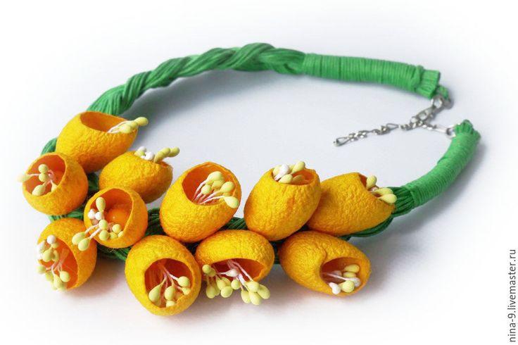 Купить Украшение из коконов Шелковые медуницы. - зеленый, желтый, желтые цветы, медуница, желтый и зеленый