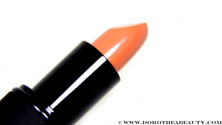 Sleek MakeUP True Color Lipstick on 774 Peaches And Cream Review