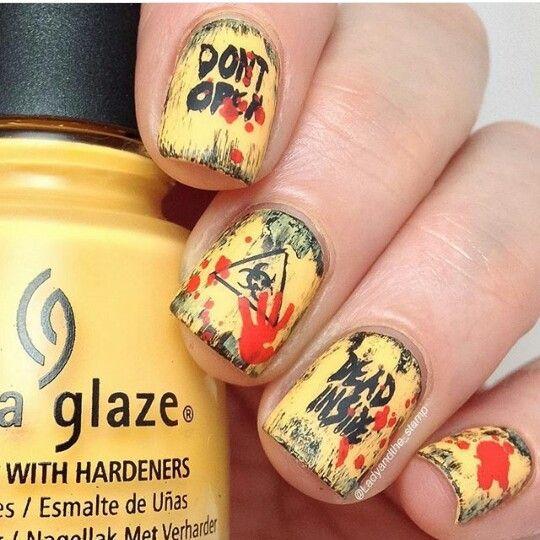 The Walking Dead nail art.