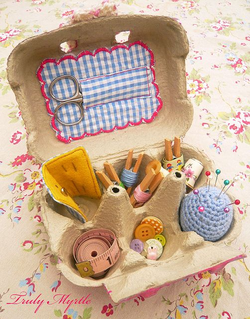 Egg Carton Sewing Box: Sweet idea to craft a sewing kit gift for a child or beginning seamstress... Or, customize it for someone going away to college or for a child to give to a teacher for those school day wardrobe emergencies. (sew)