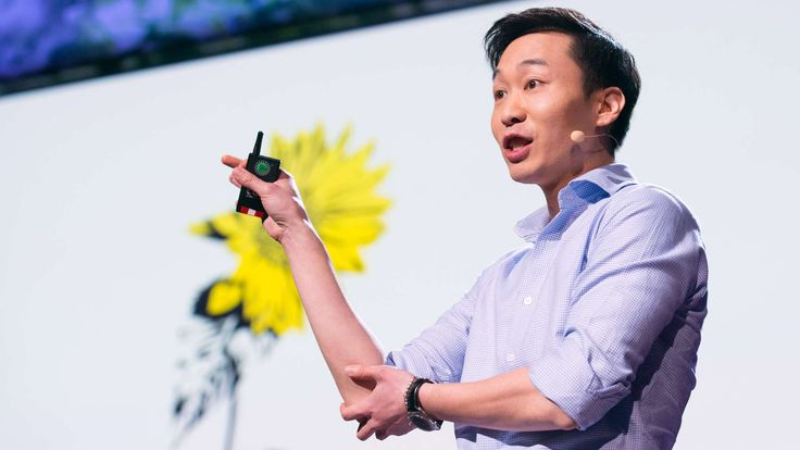 Jinsop Lee: Design for all 5 senses  Good design looks great, yes -- but why shouldn't it also feel great, smell great and sound great? Designer Jinsop Lee (a TED Talent Search winner) shares his theory of 5-sense design, with a handy graph and a few examples. His hope: to inspire you to notice great multisensory experiences.