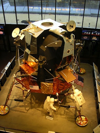 Space Museum in Washington DC. Learn more: http://www.imperatortravel.com/2012/08/at-the-mall-in-washington.html