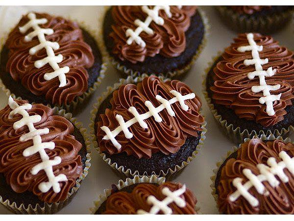 Theme Player 9 Football Shaped Super Bowl Snacks