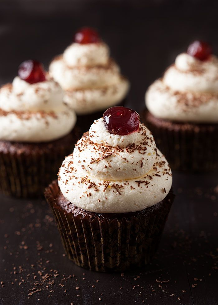 Cupcake Recipe Using Cake Mix And Sour Cream
