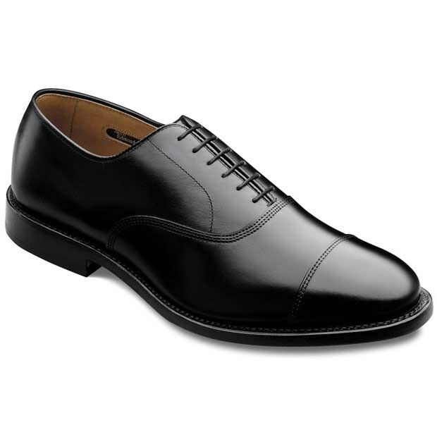 Park Avenue - Cap-toe Lace-up Mens Dress Shoes by Allen Edmonds - A little out of my price range but one can dream.  This is a dress shoe!