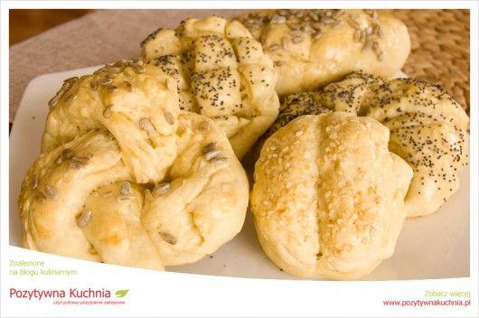 Śniadaniowe bułeczki - #przepis na bułki pszenne drożdżowe  http://pozytywnakuchnia.pl/sniadaniowe-bulki-po-raz-pierwszy/  #kuchnia #sniadanie #bulki #pieczywo