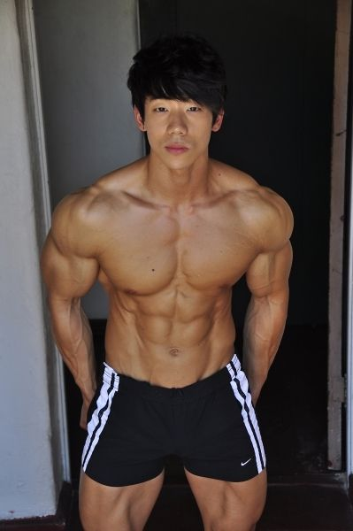 Ripped Asian Guy 116