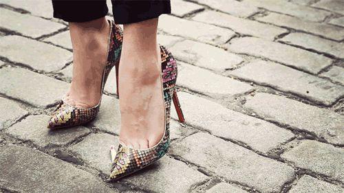 De Tacon, Stilettos, Pumps, Wedges, Flats, Tennis, Sandalias, con tantos estilos tienes que saber que tipo de zapato va más contigo y con tu día.