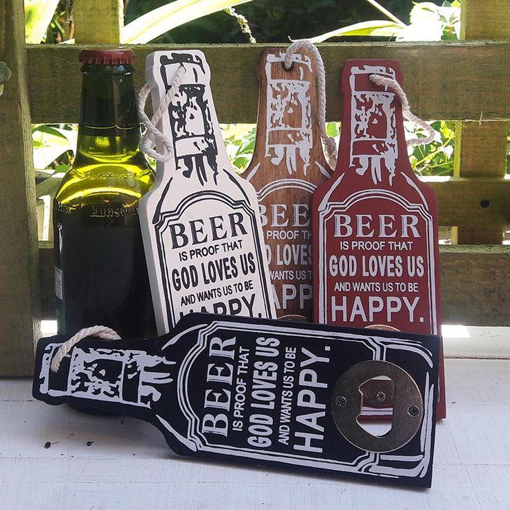 Un entretenido detalle para los fanaticos de la cerveza...este abridor no se pierde! En cuatro colores, es un regalo original y siempre muy bien recibido.