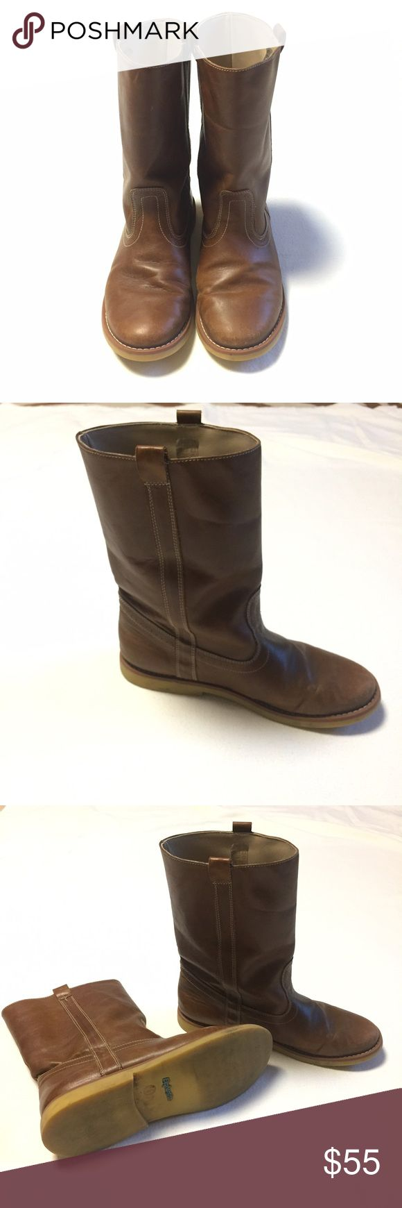 Elephantito Leather Western Boots Big Kids Western inspired boot Side pull tabs for easy on/off Leather upper, rubber sole Imported Size 4 Big Kids Excellent condition, with some very minor surface scuffs Super soft leather Retail for $105 Light brown color Elephantito Shoes Boots