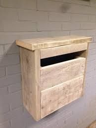 Afbeeldingsresultaat voor steigerhout brievenbus