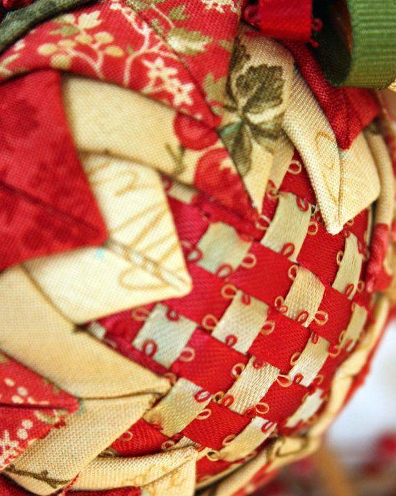 Cinta tejida y adornos de navideños de tela por MulberryPatchQuilts