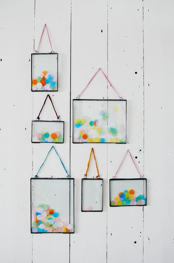 Picture frames filled with rainbow confettis ; simple and fun