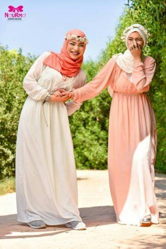 pastel long sleeves maxi dresses- Eid colorful hijab outfits http://www.justtrendygirls.com/eid-colorful-hijab-outfits/