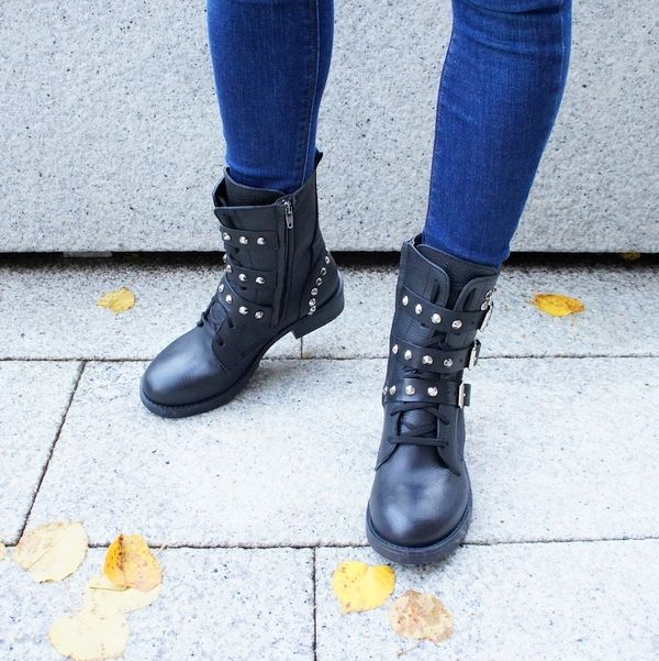 studed boots rock style