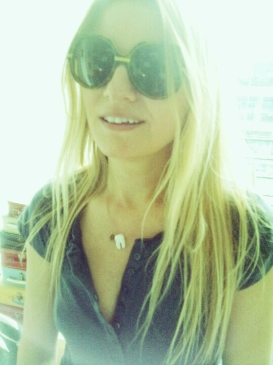 isabelle thomas. mode personnele(le) with her Molaire necklace...