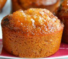 NONNETTES (Pour 12 pièces : 200 g de miel, 160 g de farine T55, 120 g de farine complète, 150 g d'eau (15 cl), 100 g de sucre, 80 g de beurre, 10 g de bicarbonate, 1 c à c bien bombée d'épices pour pain d'épices, marmelade d'orange ou bien confiture de pomme rhubarbe pour remplir le coeur des nonnettes.
