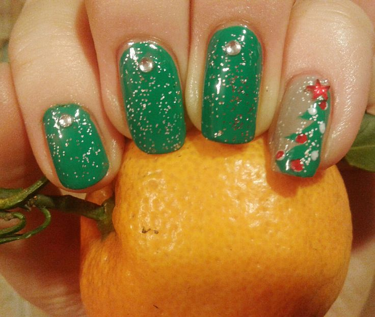 Nail. Art. Nail art. Orange. Christmas. New year. Tree. Green. Shine.