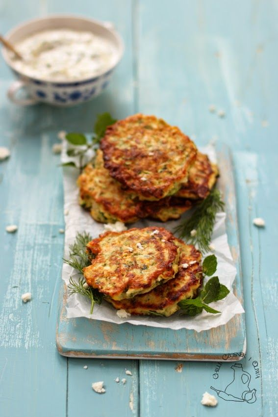placuszki z cukinia i feta/ courgette and feta cheese cakes