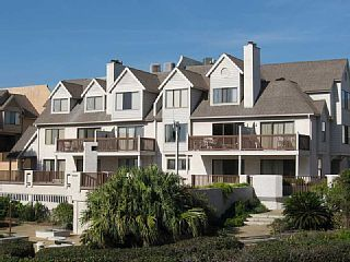 627 Newhaven is a lovely two story, second floor condo located on the north end of Fripp Island. Just a short walk to Ocean Point Grill and Golf Course; this two bedroom, two and a half bath home comfortably accommodates ...