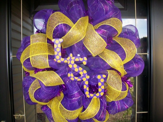 LSU wreaths-wreaths-and-more-wreaths  Totally going to do one for UNL!