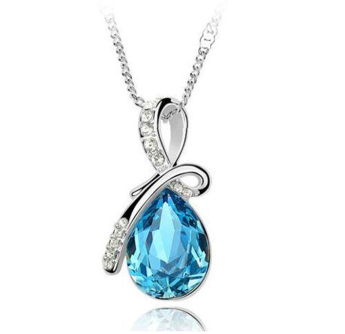 Pandantiv cu Cristal Albastru  http://www.pandantivefashion.ro/cumpara/pandantiv-cu-cristal-albastru-2